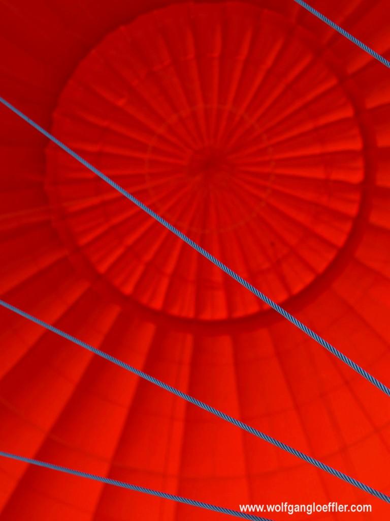 Ein Heißluftballon von innen