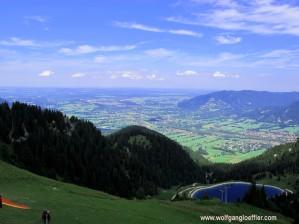 Blick vom Gipfel des Brauneck auf das Alpenvorland