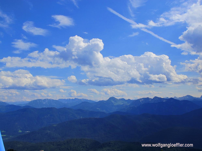 Panoramablick über die Alpen südlich von Lenggries