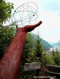 "Skulptur ""In Gottes Hand"""
