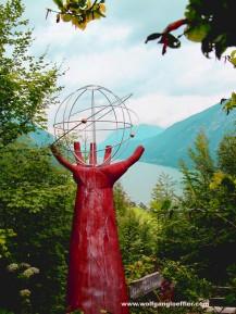 Skulptur mit Blick über den Achensee