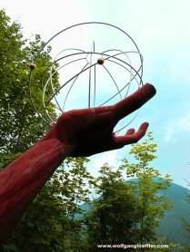Skulptur Gottes Hand