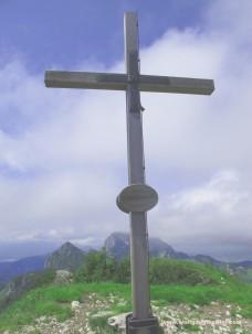 41- Gipfelkreuz Latschenkopf mit Benediktenwand