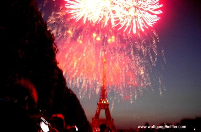 Feuerwerk über dem Eifelturm