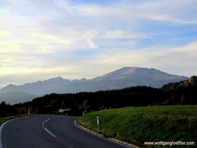 143-Tangern vor bergpanorama