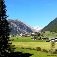 Easy hike from Vals to Meransen