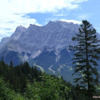Panoramic hike with view of the  Zugspitze